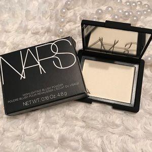 -NARS. Highlighting Powder (Albatross)✨
